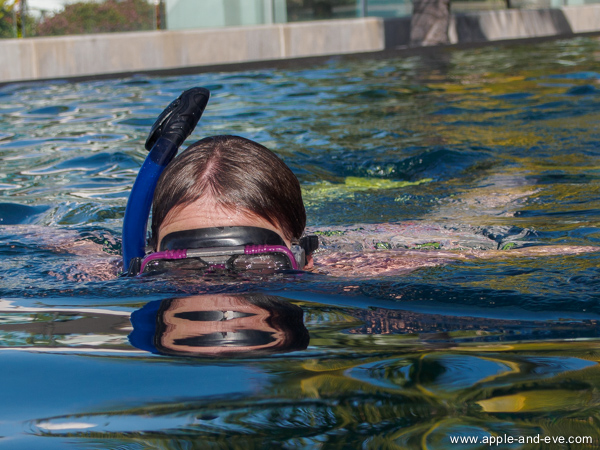 Jaunine tried her hand at snorkeling and attended a snorkelling crash-course in the resort swimming pool.