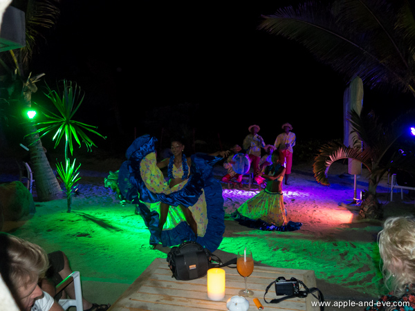 More dancing and island music !