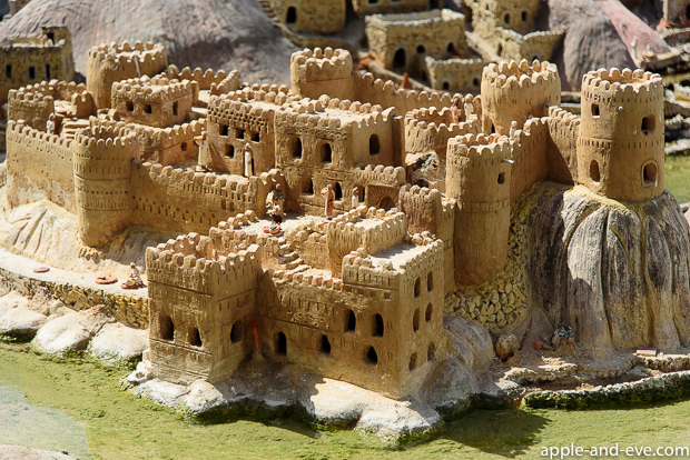 Another museum found in the old city part of Muscat is Bait Al Zubair, where they have a beautiful model of a typical old Oman village and buildings.